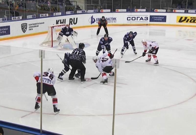 «Нефтехимик» на собственной арене нанес поражение «Трактору» вматче чемпионата КХЛ