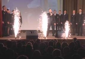 Нижнекамские полицейские в свой профессиональный праздник исполнили песню о Родине
