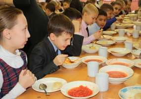 Кишечная палочка, битая посуда и другие «прелести» школьных столовых