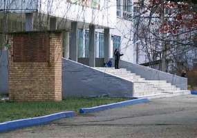 Массовая драка во дворе школы в Нижнекамске произошла из-за девушки