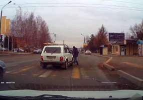 Водитель «Нивы», наехавший на пешеходов в Нижнекамске, уверен в своей невиновности