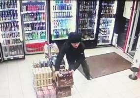 В Нижнекамске обокрали очередной алкогольный магазин