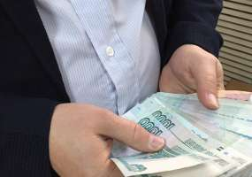 В Нижнекамске предприятие уволило сотрудников и задолжало им полмиллиона