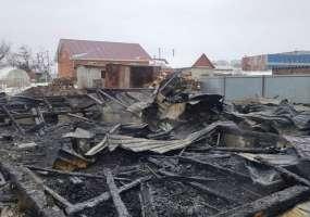 На ул.Новоахтубинской в Нижнекамске сгорел двухэтажный коттедж