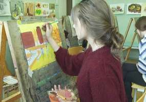 Почти 80 юных творцов встретились на конкурсе рисунков «Город творчества» в Нижнекамске