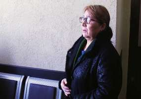 В Нижнекамске мужчина из-за куртки подрался с охранницей магазина