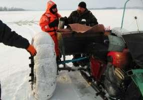 В Нижнекамском районе спасли рыбака, провалившегося в полынью на снегоходе