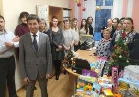 Сотрудники Росреестра поддержали акцию «Стань Дедом Морозом!»