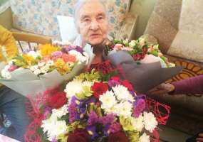 «Не буду я стареть, я буду молодеть!» - 100-летний юбилей отметила жительница Нижнекамска