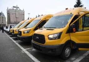 Рустам Минниханов вручил ключи от 57 школьных автобусов учреждениям образования Татарстана