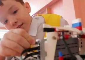 Победителем вторых соревнований по робототехнике стала команда школы №29