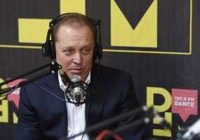 «Я был зайчиком» - мэр Нижнекамска во время прямого радиоэфира вспомнил детство