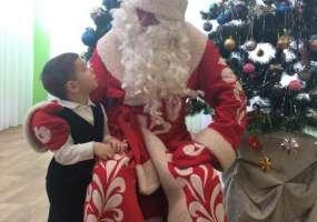 Благодаря акции «Стань Дедом Морозом!» воспитанники центра «Балкыш»  получили новогодние подарки