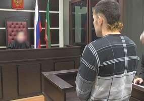 В Нижнекамске потерпевший, которого девушка исполосовала ножом, сделал ей предложение в зале суда