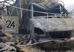 Под Нижнекамском сгорели трактор, машина и овощи, предназначенные для школ и детсадов