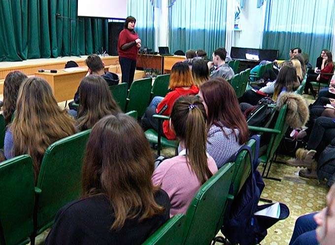 В Нижнекамске начала работу «Школа вожатых»