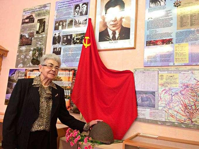 В Нижнекамске почтили память поэта-патриота Фатыха Карима