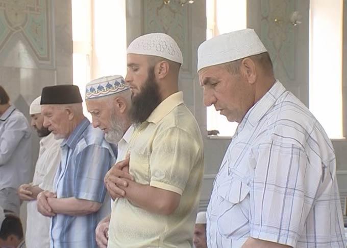 Нижнекамцы решили помочь семье погибшего в ДТП имама-хатыйба Абдулькарима хазрата Муратова