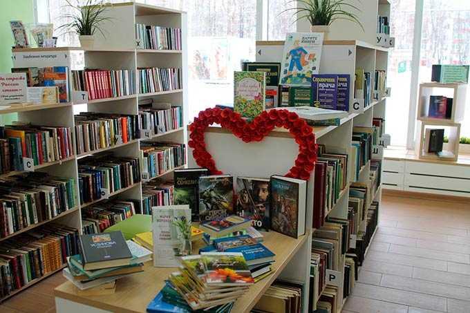 Жители Нижнекамска подарили книги главной библиотеке города