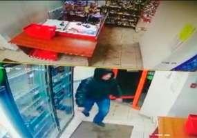 В Нижнекамске ищут мужчину, который совершил грабеж в магазине на пр.Мира