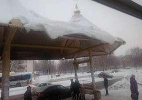 Нижнекамец обеспокоен, что снег может упасть на головы людей