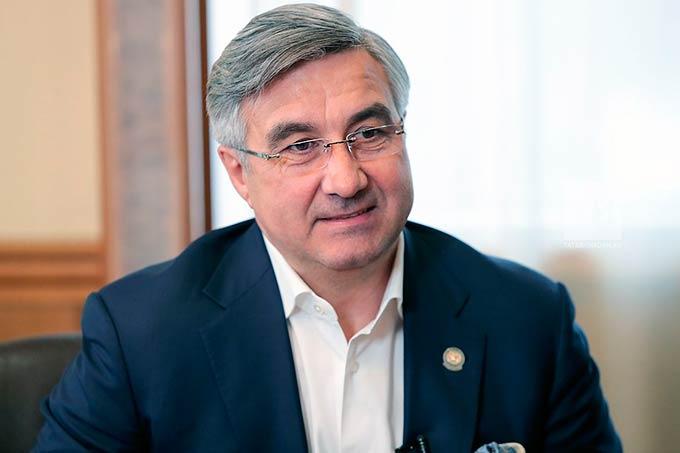 О возможном создании четвертого варианта стратегии развития татарского народа рассказал Василь Шайхразиев