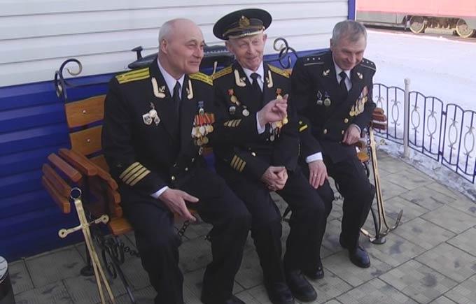 Адмирал Николай Евменов рассказал, какие зарплаты получают моряки-подводники Северного флота