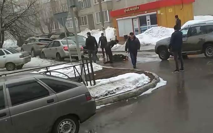 Полицейский, пострадавший от нападения неизвестного, госпитализирован