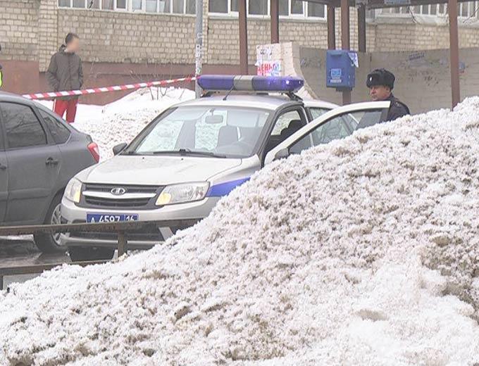 МВД по РТ прокомментировало ЧП в Нижнекамске, в результате которого неизвестный с ножом убил полицейского