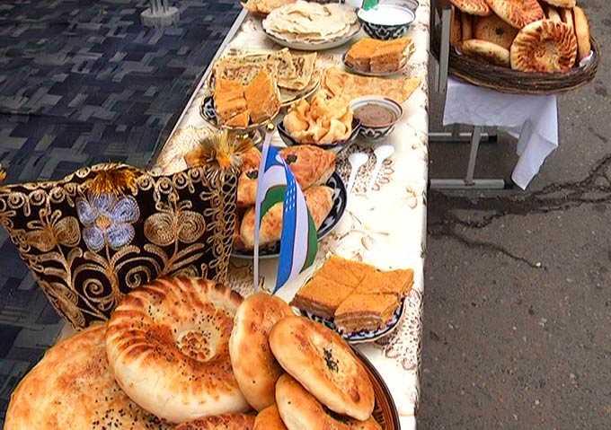 Нижнекамцы угостились национальными блюдами на празднике весны Навруз