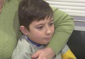 Русфонд: 11-летнему Максиму требуются дорогие слуховые аппараты