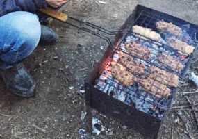 В МЧС рассказали, как готовить шашлык и разводить костёр на даче, чтобы не получить штраф