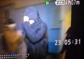 Появилось видео задержания отца, подозреваемого в изнасиловании дочери в Нижнекамске