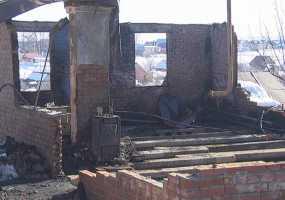 Следователи возбудили уголовное дело после пожара в селе Шереметьевка