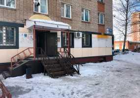 """В Нижнекамске журналисты помогли закрыть """"пивнушку"""" в жилом доме"""