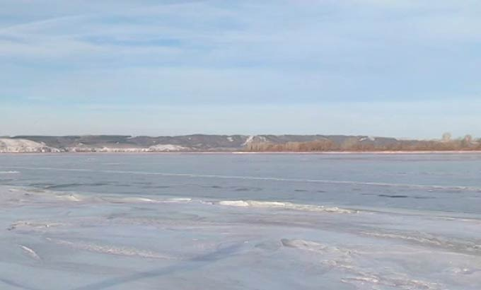 Пенсионерка сообщила в полицию о плывущей по Каме льдине с человеком