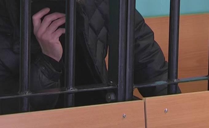 В Нижнекамске 51-летний рецидивист, угрожая ножом, ограбил и изнасиловал женщину