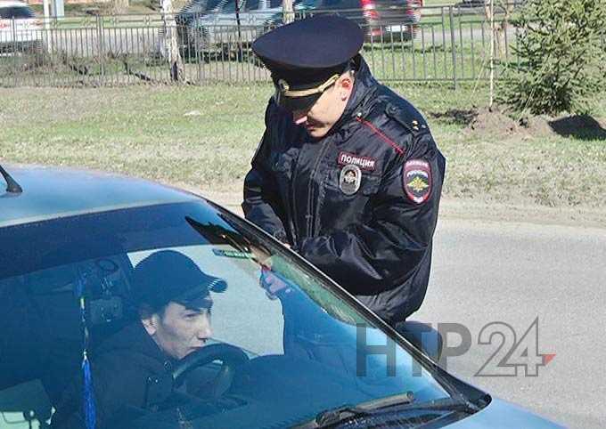 ГИБДД Нижнекамска проводит усиленные рейды по выявлению водителей, разговаривающих по телефону
