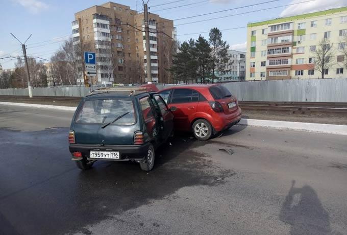 В Нижнекамске в ДТП погиб 83-летний водитель