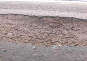 Разбитые дороги, протекающая кровля, затянувшийся ремонт в детсадах – с такими проблемами обращаются горожане к мэру Нижнекамска