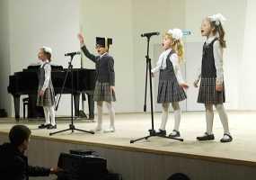 Юные нижнекамские хористы показали свою уверенность на сцене