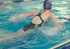 Две сестры из Нижнекамска привезли домой 6 медалей с соревнований по плаванию