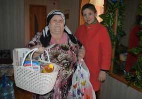 Нижнекамские журналисты помогают одиноким пенсионерам