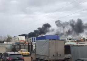 Пожарные объяснили появление черного дыма в поселке Строителей