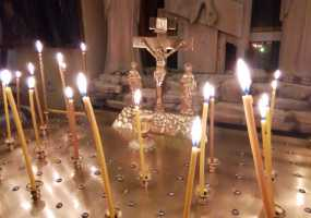 Тысячи православных жителей Нижнекамска встретили Пасху Христову в храмах