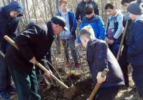 Молодежь Нижнекамска присоединилась к экологической акции «День посадки леса»