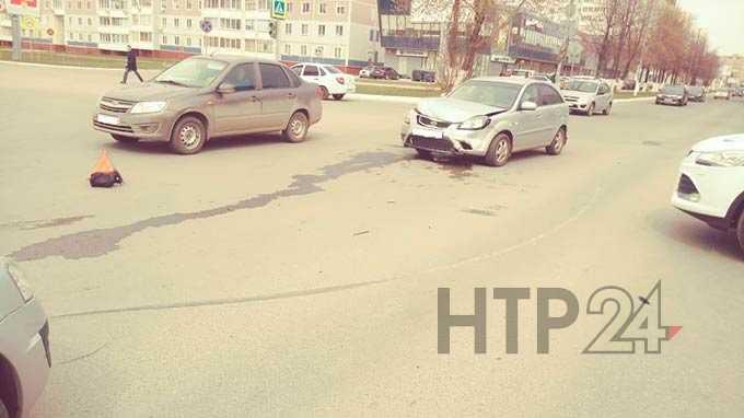 В Нижнекамске шестилетний пассажир легковушки пострадал во время ДТП