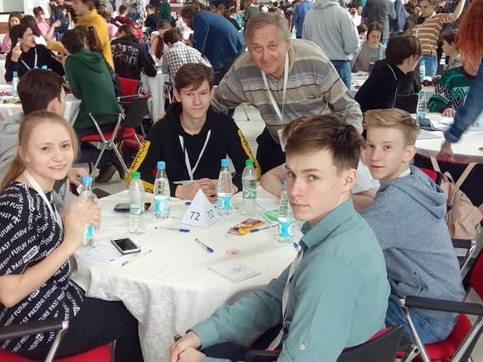 Юные знатоки из Нижнекамска отметились в интеллектуальном чемпионате России