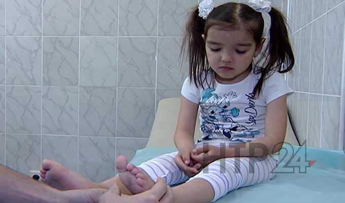 Русфонд: 5-летней Азалии с левосторонней косолапостью требуется дорогостоящее лечение