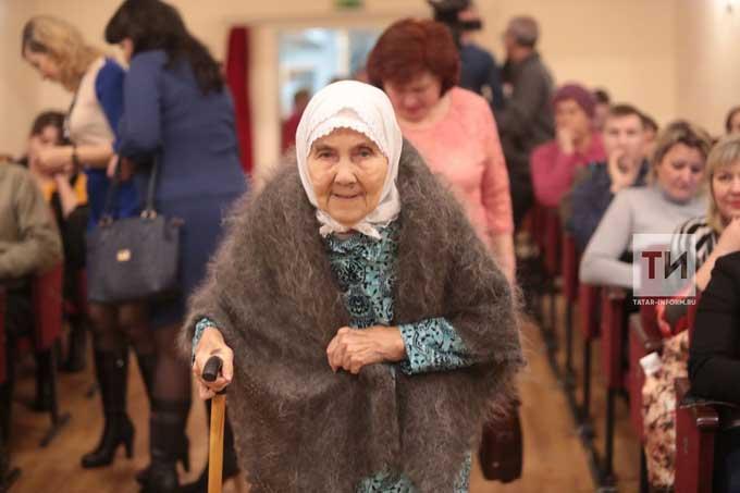 Все пенсионеры Татарстана смогут приобрести льготный проездной по прежней цене